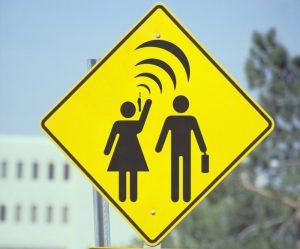 les-ondes-electromagnetiques-sont-elles-dangereuses-111201_w1000